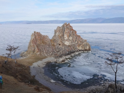 Lake Baikal Shaman Rock right (400x298)